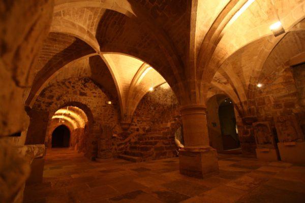 Im Untergeschoss den Museen von Sens