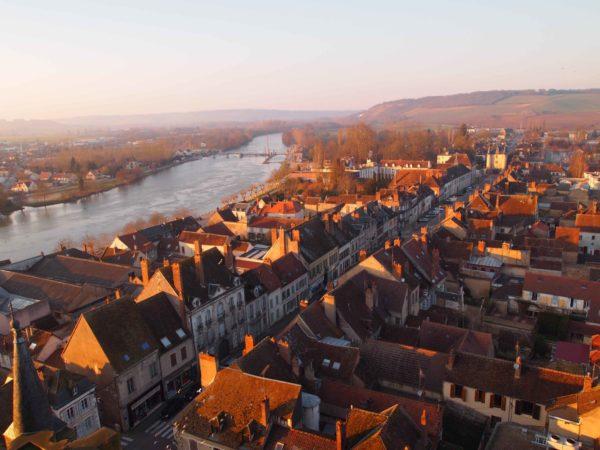 Villeneuve-sur-Yonne im Herbst