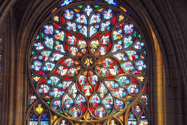 Glasfenster der Kathedrale Saint-Etienne